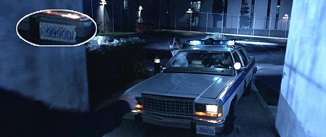 А теперь номерной знак у полицейского автомобиля — 999001