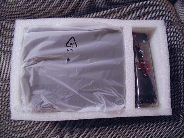 Упакованный видеопроектор AUN AM200